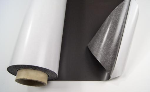 Folia-magnetyczna-samoprzylepna-magnes-z-klejem