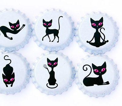 Magnesy kapsle koty oryginalny gadżet na lodówkę wykonany na piance EVA